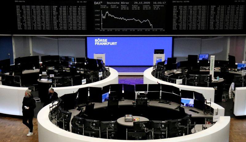 Ações europeias ampliam rali de fim de ano com impulso de acordo do Brexit