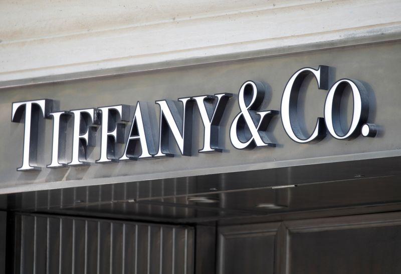 Acionistas aprovam venda da Tiffany para LVMH
