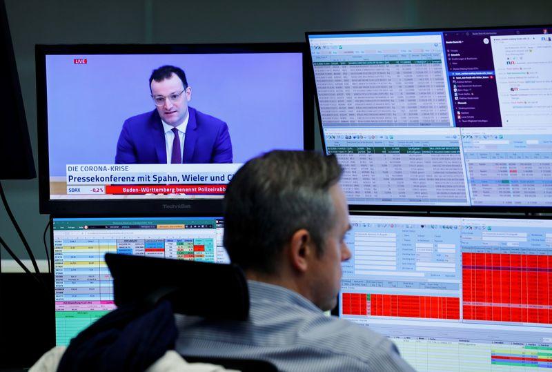 Bolsas europeias fecham em queda com realização de lucros