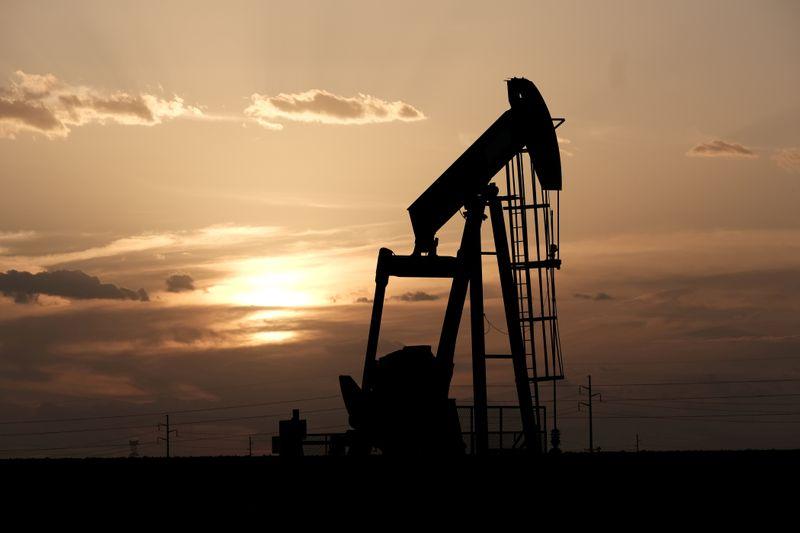 Nova variante do coronavírus afeta perspectiva para petróleo em 2021
