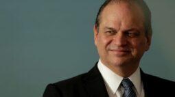 Líder do governo na Câmara promove almoço com Guedes em nova fase de articulação