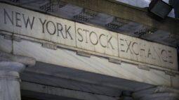 Wall Street encerra em forte baixa com temores de desaceleração da economia