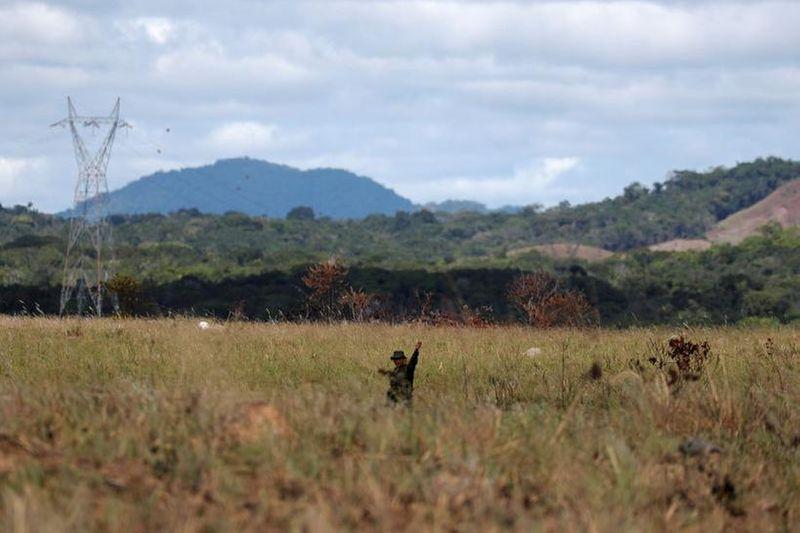 Funai entrega a índios estudo sobre impacto de linhão de energia em Roraima