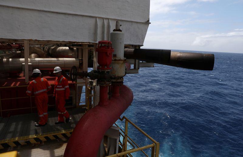 Surto de Covid em 2 plataformas da Petrobras leva ao desembarque de 28 pessoas, diz FUP