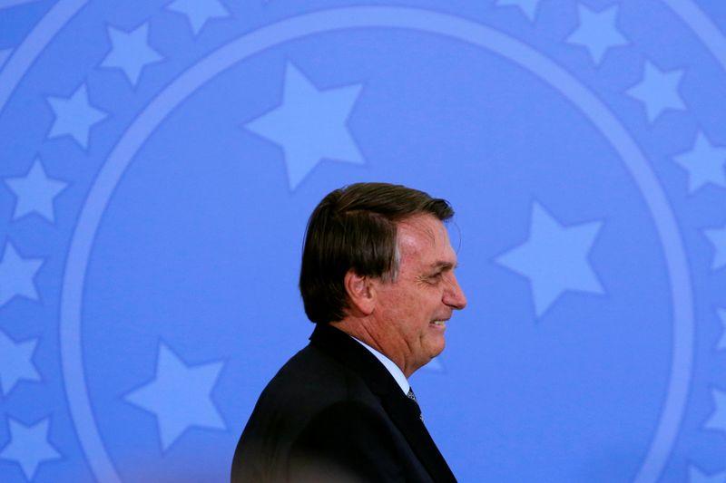 Bolsonaro diz que espera elevar isenção do IR para R$3 mil no próximo ano