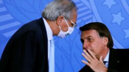 Bolsonaro diz que conversa com Guedes e Bento sobre preço de combustíveis e gás de cozinha