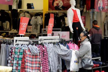 Vendas no varejo do Brasil têm queda inesperada em novembro após 6 meses de alta