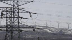 Rede elétrica da China luta para acompanhar salto na demanda por energia