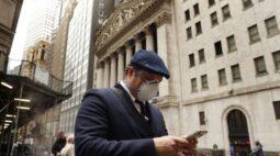 Wall St fecha em baixa sob pressão de ações de bancos e energia