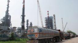 Produção de refinarias da China avança 3% e bate recorde em 2020