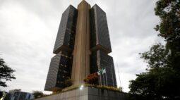 ENTREVISTA-Com inflação de serviços à espreita, Copom deve começar a subir Selic em maio, diz ex-BC Tony Volpon