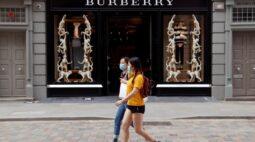 Burberry tem queda nas vendas trimestrais, alerta sobre mais disrupções