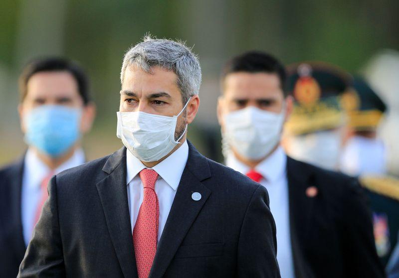 Presidente do Paraguai troca ministros após renúncia de diretor de Itaipu
