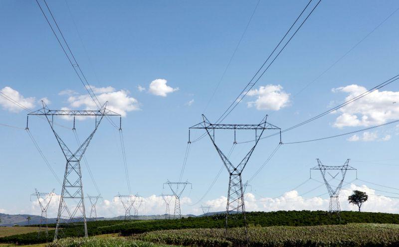 ONS reduz previsão para carga de energia em janeiro, mas ainda vê alta de 2,1%