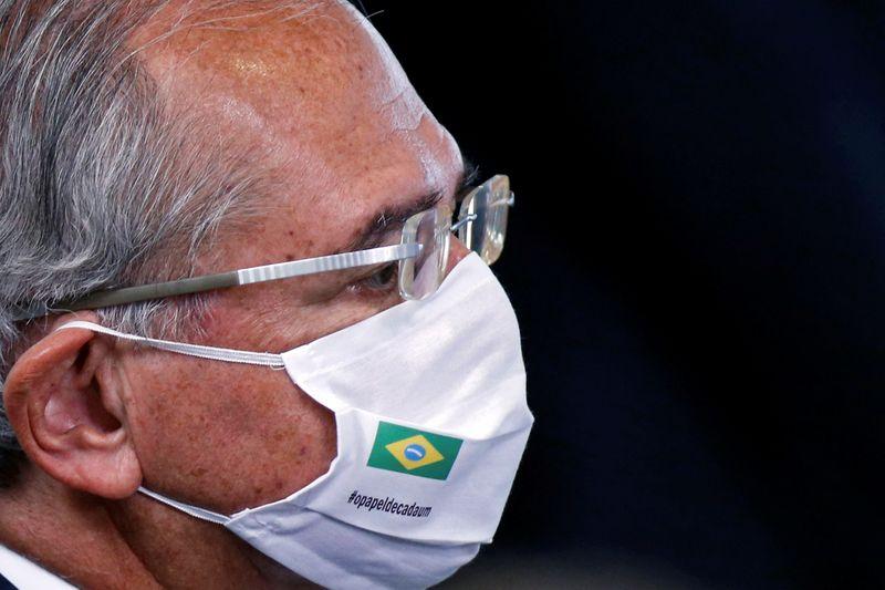"""Queda de 3,75% na arrecadação em meio à pandemia foi resultado """"excelente"""", diz Guedes"""