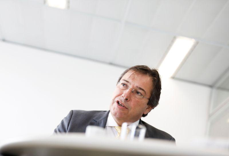 CEO da Eletrobras diz que decidiu sair depois de ver processo de privatização perder tração
