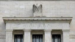 Fed deixa política monetária estável com moderação em retomada econômica nos EUA