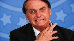 """""""Tem alguns idiotas que até hoje ficam em casa"""" declara Bolsonaro"""