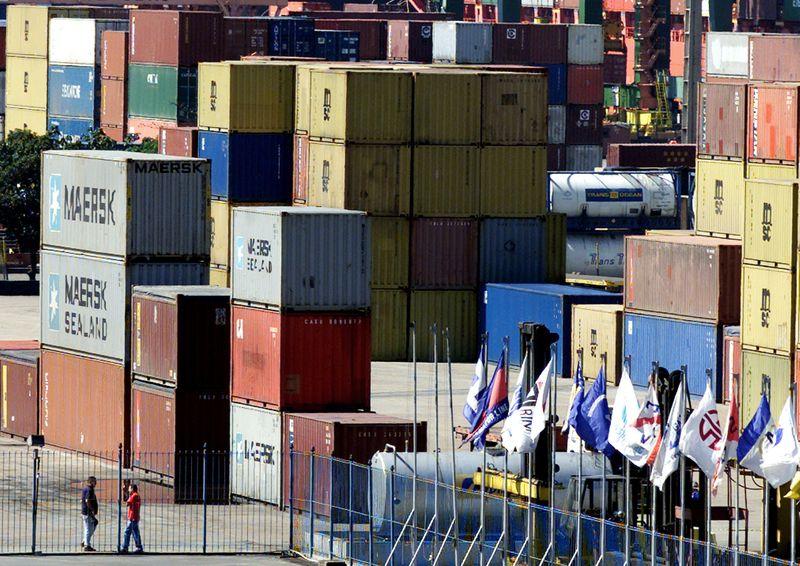 Balança comercial tem déficit de US$722 mi no acumulado de fevereiro, diz ministério