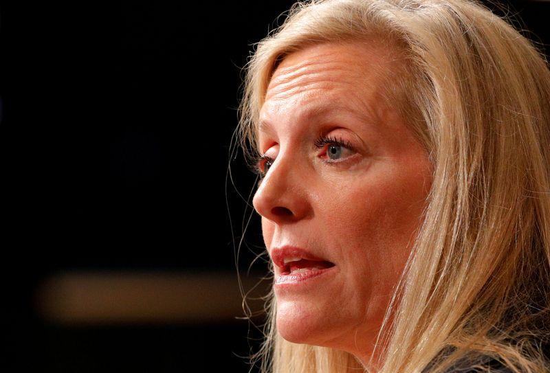 Brainard diz que Fed quer pleno emprego e crescimento sustentável