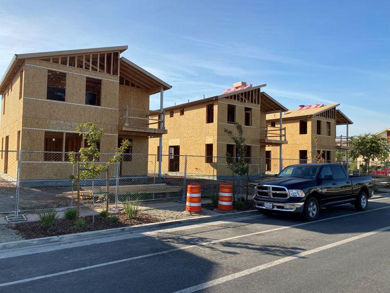 Início de construção de novas moradias nos EUA cai em janeiro