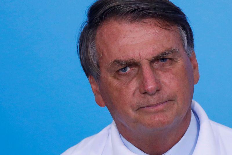 Bolsonaro diz que política de preços da Petrobras atende interesses de alguns