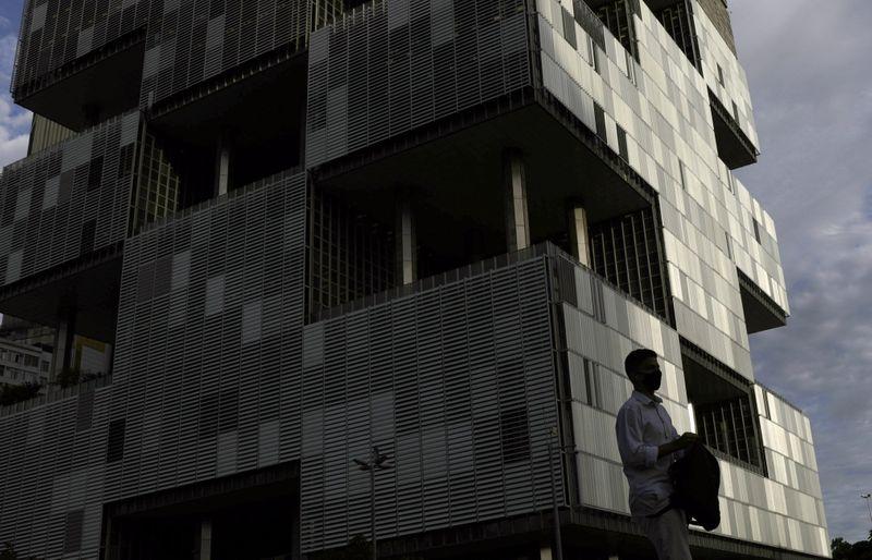 Petrobras pode ter CEO interino por prazo legal de troca de comando, dizem fontes