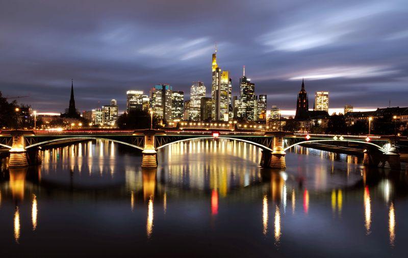 Exportação e construção fortes impulsionam economia da Alemanha no 4º tri
