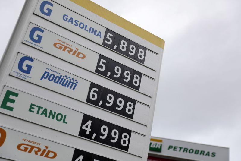 IPCA-15 desacelera a 0,48% em fevereiro, mas tem maior nível para o mês em 4 anos por combustíveis