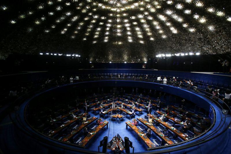 Desvinculação de recursos de saúde e educação deve sair de PEC emergencial, diz oposição