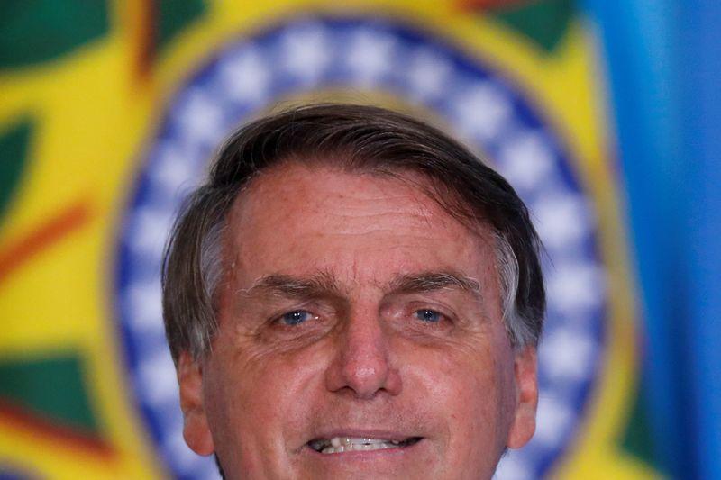 Estatais precisam ter função social e Silva e Luna dará nova dinâmica à Petrobras, diz Bolsonaro