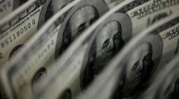 Dólar salta e fecha na máxima desde novembro com estresse global por yields