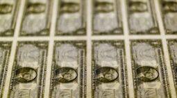 Dólar toma fôlego e ultrapassa R$5,58 com piora externa e ruídos locais