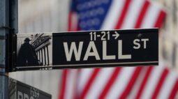 Wall St sobe com recuperação de ações de tecnologia e aprovação de pacote de estímulo