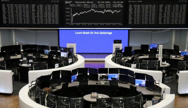 Mercado acionário europeu fecha praticamente estável com novo lockdown ofuscando dados de atividade