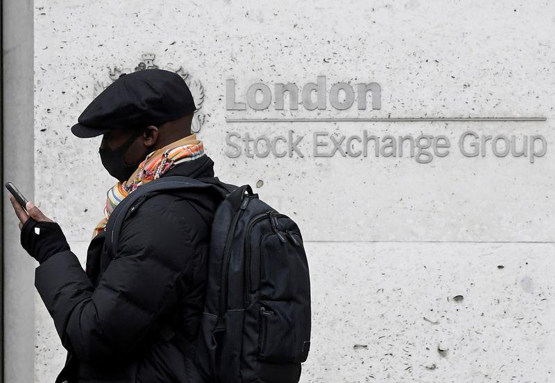 Temores sobre pandemia pressionam mercados acionários europeus