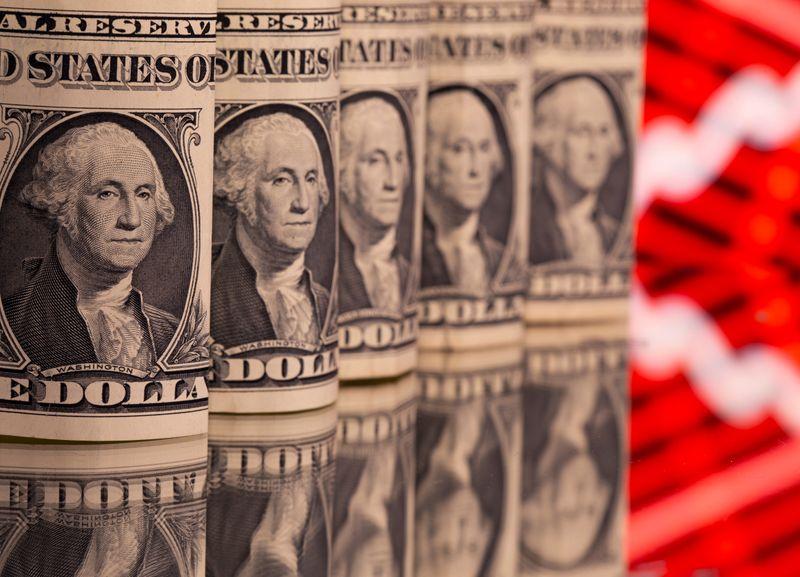 Dólar tem maior alta semanal em 9 meses com aumento de risco político-fiscal e dúvidas sobre BC