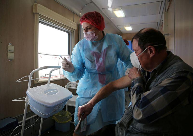 Banco do Brics aprova empréstimo de US bi para trabalhadores da linha de frente da saúde na Rússia