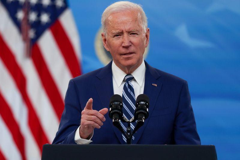 """Biden mira expansão da energia eólica """"offshore"""" para combater mudança climática"""