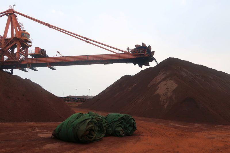 Minério de ferro na China recua por restrições ambientais