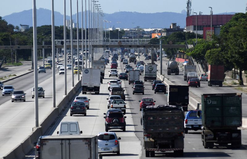 Venda de veículos novos no Brasil sobe em março, diz Fenabrave