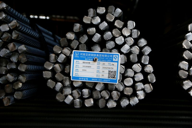 Demanda robusta e cortes de oferta levam aço na China a tocar recorde