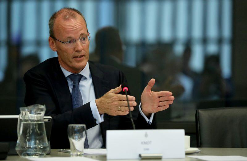 Recuperação da zona do euro pode permitir que BCE reduza compras a partir do 3º tri, diz Knot