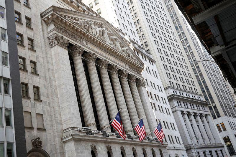 S&P 500 e Dow têm leve alta antes de ata do Fed