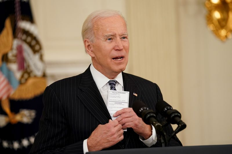"Biden vai pressionar empresas a pagar nível ""aceitável"" de imposto"