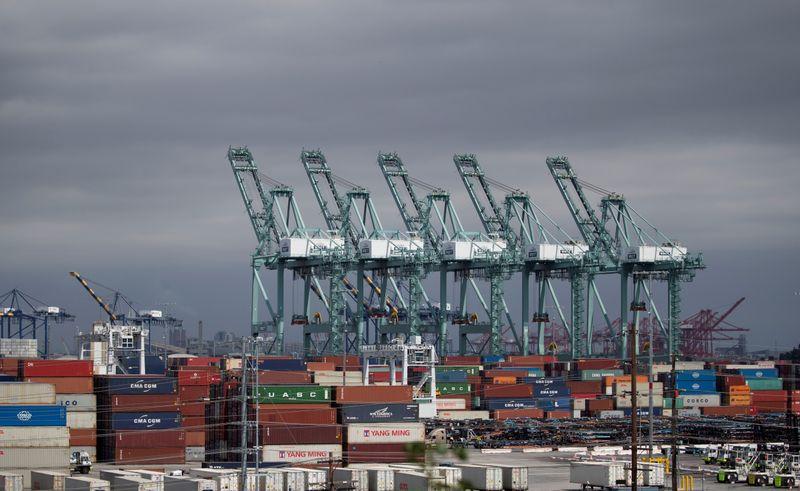 Déficit comercial dos EUA atinge máxima recorde em fevereiro