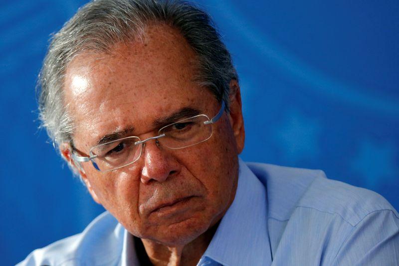 """Guedes diz esperar que discussão em torno do Orçamento """"se encerre bem"""""""