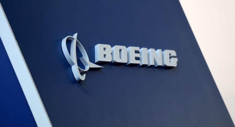 Aéreas tiram de circulação alguns jatos Boeing 737 MAX após alerta de problema