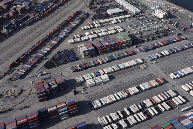 Santos Brasil leva 3 de 5 áreas de portos; leilão rende R$216 mi em outorgas