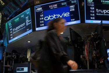 Wall St encerra em baixa com investidor no aguardo de balanços e dados de inflação